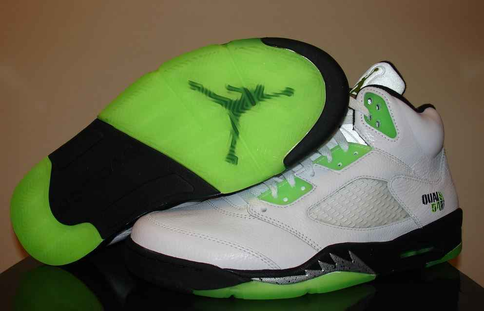 Top 10 Best Basketball Shoes of all time, Nike Air Jordan 8