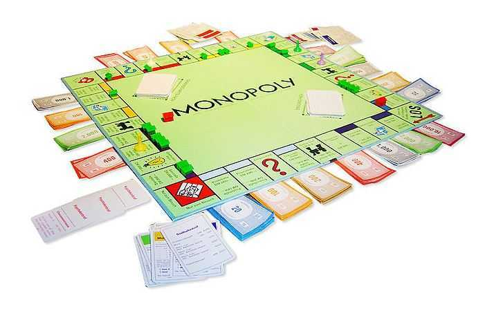 monopoly playing board, worlds best board games